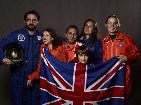 Momo galerie, NASA Patch, astronaut portrait, Le rêve de laika, the laika dream, apollo mission 21, romaric tisserand, alban le henry